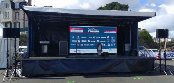 Scène du village départ de la Figaro 2020 à Saint-Quay-Portrieux